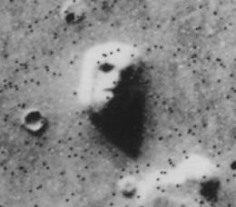 Rostro humano cincelado en Cydonia, Marte